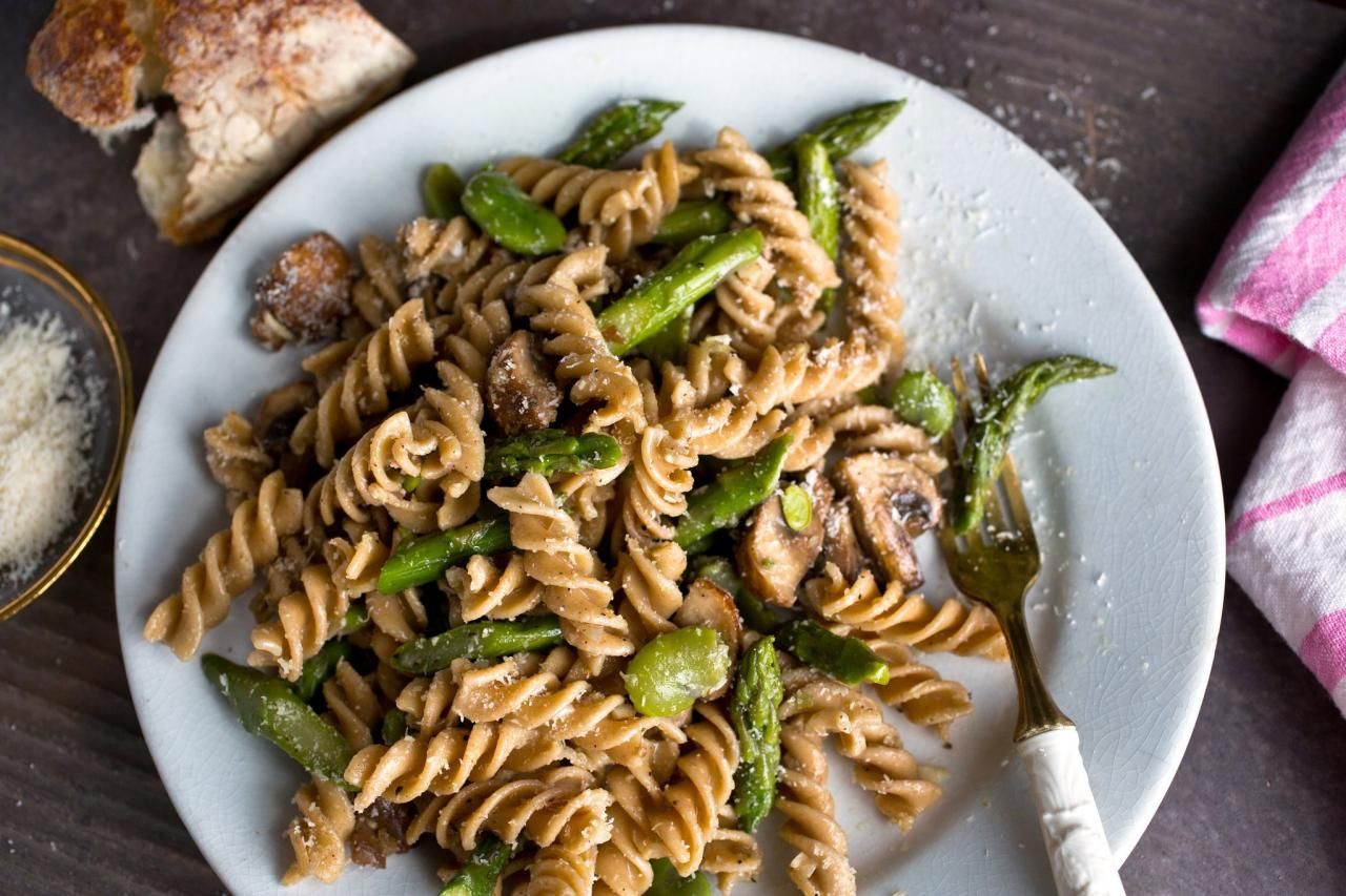11-healthy-diet-foods-that-can-actually-make-you-fat-whole-wheat-pasta